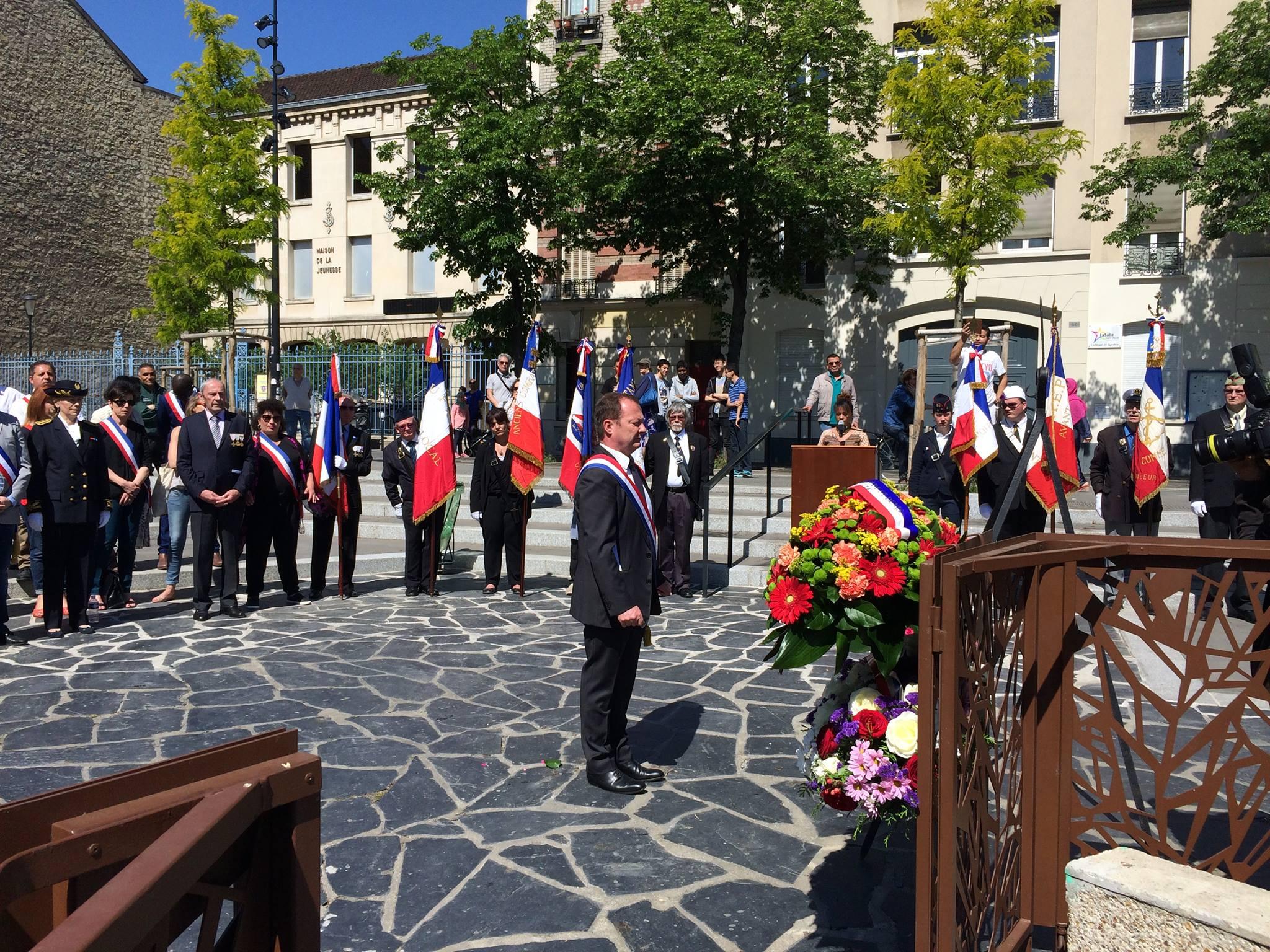 Commémoration Du 8 Mai 1945 à Saint-Denis