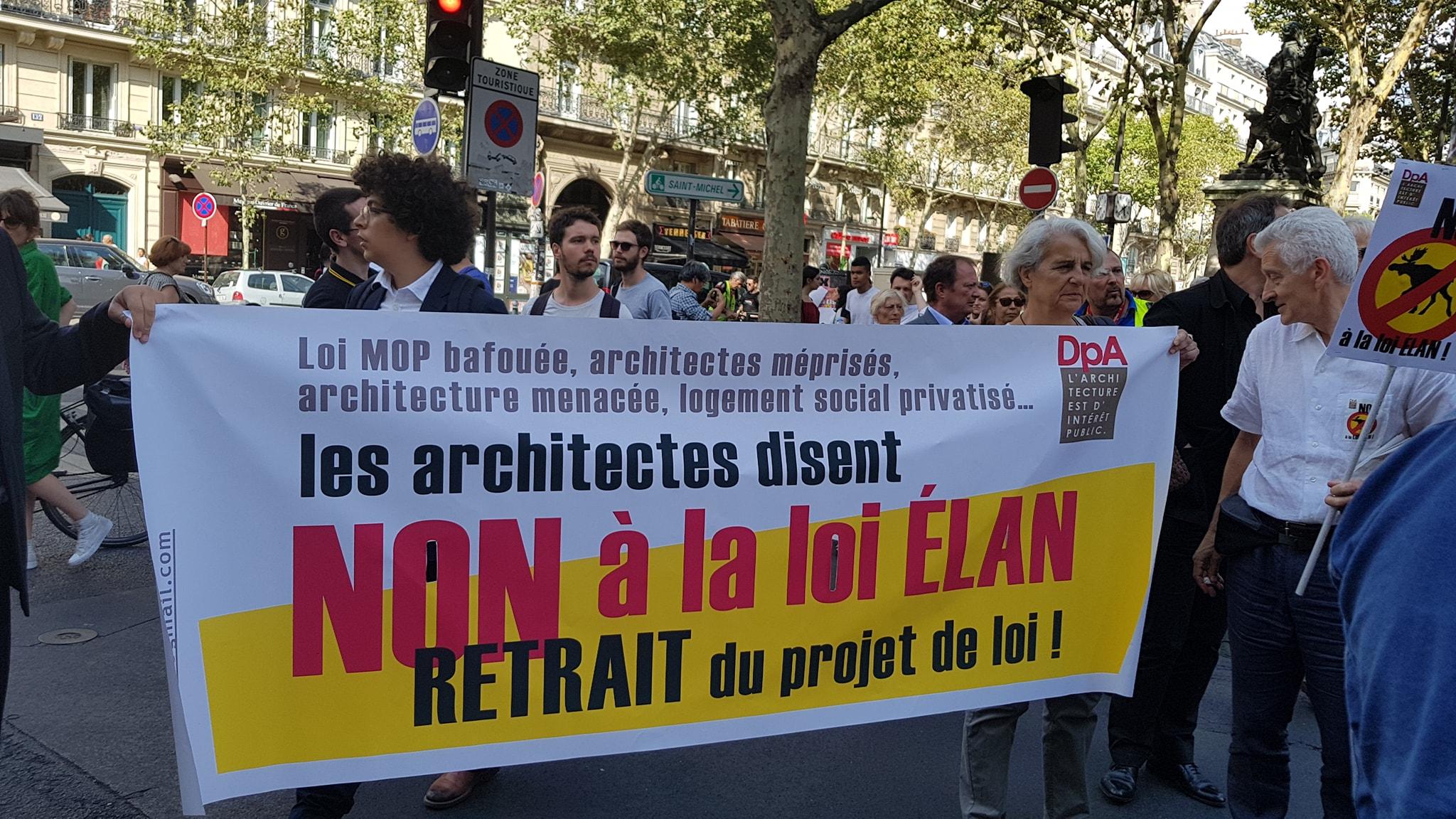 Manifestation Contre Le Projet De Loi ELAN