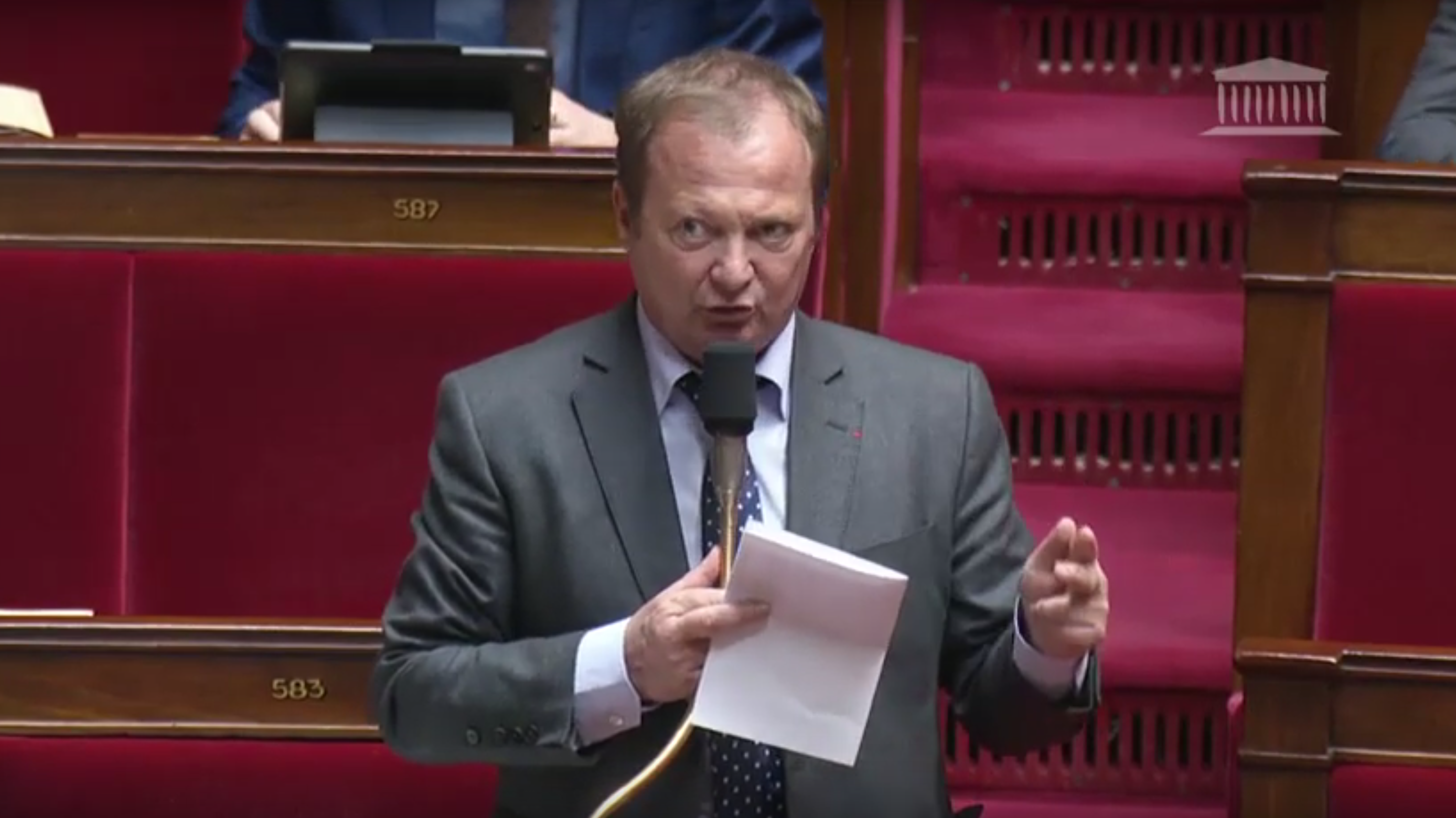 Dans Le Débat Sur Le Projet De Loi Portant « Mesures D'urgence économiques Et Sociales »